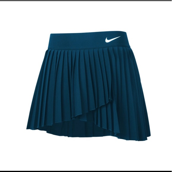 Nike Womens Spring Elevated Victory